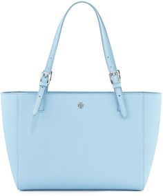 In love with this baby blue york tote! Stuff And Thangs, Purse Wallet, Purses And Handbags, Baby Blue, Clutches, Totes, Tory Burch, Wallets, Fashion Inspiration