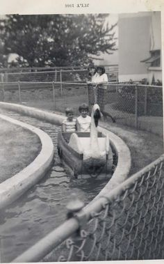 Kennywood Park- the Swans in Kiddie Land.  I rode this when I was little.  Shame it's not there anymore.