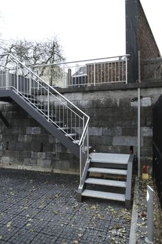 Escalier quart tournant / marche en métal / d'extérieur / sans contremarche La Maestria