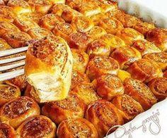 Lokmalık Haşhaşlı Börekler