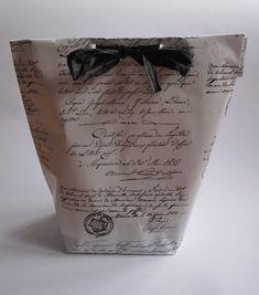 Lær at lave en fin gavepose ud af helt almindeligt gavepapir - Hello FRIENDS Christmas Diy, Origami, Diy And Crafts, Kit, Coffee, Blog, Inspiration, Hacks, Board