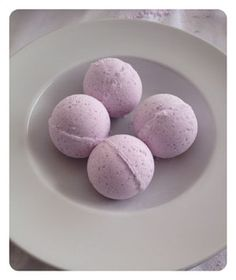 DIY Lavender Bath Bombs | Dump Your Frump
