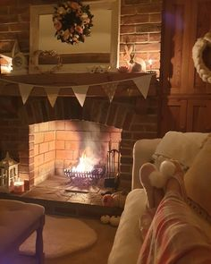 Cottage Living Rooms, Cottage Interiors, Cosy Interior, Interior Design, Shabby Chic Lounge, Cosy Lounge, Cosy Night In, Home Comforts, Home Look