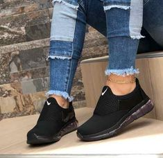 Cute Sneakers Sneakers Nike Cute Shoes Me Too Shoes Sneaker Heels Sock Shoes Shoe Boots Sports Shoes Shoe Game Clark Women S Shoes Discount 🖤 loving the all black 🖤 Cute Sneakers, Sneakers Mode, Sneakers Fashion, Fashion Shoes, Black Sneakers, Ladies Sneakers, All Black Nike Shoes, Black Nikes, Shoe Boots