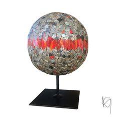 Mosaïque en marbre et pâte de verre by Ng mosaïque Global Warming, Globe, Lighting, Home Decor, Marble Mosaic, Drinkware, Speech Balloon, Decoration Home, Room Decor