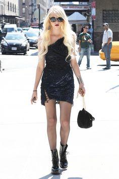 Taylor Momsen Gossip Girl, Taylor Momsen Style, Gossip Girl Season 4, Looks Rock, Paris Hilton Style, Jenny Humphrey, Gossip Girl Fashion, Chuck Blair, Girl Celebrities