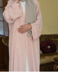 girl, hijab, and pink Bild