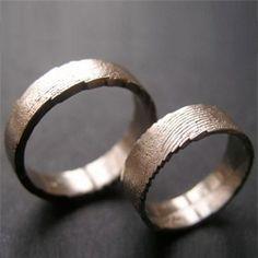 5894797122a Véra Nováková creates metal jewelry with an organic feel - fingerprints