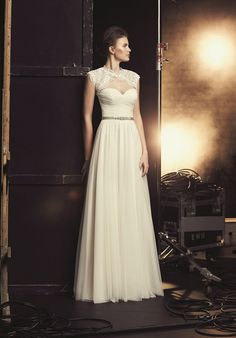 A-line wedding dress with sweetheart neckline and tulle skirt I Style: 2091 I by Mikaella I http://knot.ly/64968HHza