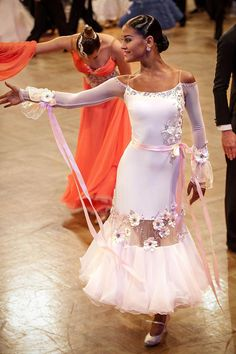 At this year's GOC (German Open Championship) in Stuttgart, a g … – All Dance Costumes Latin Ballroom Dresses, Ballroom Dancing, Latin Dresses, Dance Aesthetic, Dance Costumes Lyrical, Dance Leotards, Dance Fashion, Girl Dancing, Dance Outfits