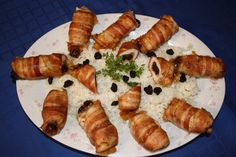 Sushi, Sausage, Meat, Bacon, Ethnic Recipes, Food, Sausages, Essen, Meals