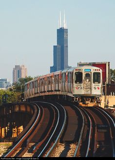 Net Photo: CTA 3036 Chicago Transit Authority Budd 2600 Series at Chicago, Illinois by Sam D. You are in the right place about Illinois outline Here we offer you the most beautiful pictur Visit Chicago, Chicago Usa, Chicago Travel, Chicago City, Chicago Skyline, Chicago Illinois, Illinois State, Chicago Photography, City Photography