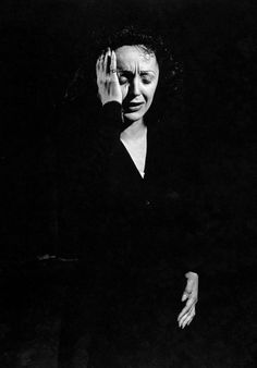 Edith Piaf ,  unic and  unreplaced