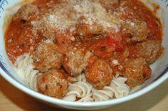 Lihapullat tomaattikastikkeessa. Muistiin, jotta vois tehdä toistekin.