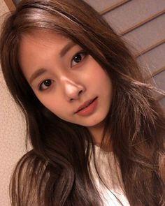 Twice-Tzuyu 190407 chewy Kpop Girl Groups, Korean Girl Groups, Kpop Girls, Nayeon, Twice Tzuyu, Chou Tzu Yu, Twice Once, Ethereal Beauty, Leila