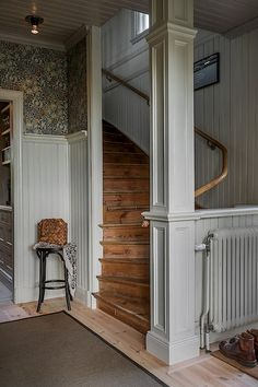 William Morris wallpaper light grey wainscoting and wood stairs in a Swedish country home. Villa, My New Room, Cozy House, My Dream Home, Future House, Beautiful Homes, Sweet Home, New Homes, House Design