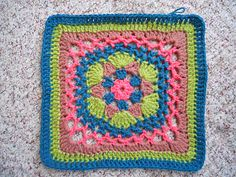 Ravelry: Impossible Hexagon 12 inch Afghan Granny Square pattern by Stramenda. Free pattern.