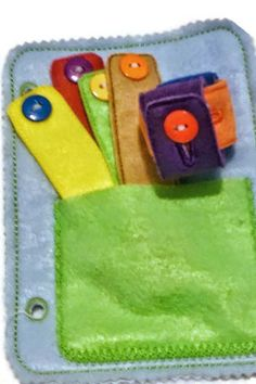 Learn to button felt chain quiet activity book page and can be added to other pages to create the perfect quiet book. These pages are wonderful to keep children busy during church, car rides, Dr.s off