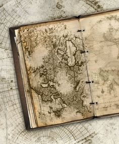 The site this is from shows how to make a beautiful travel journal using PhotoShop Handmade Journals, Handmade Books, Rifle Paper, Altered Books, Altered Art, Travel Wallpaper Iphone, Vintage Art, Vintage World Maps, Art Journal Inspiration