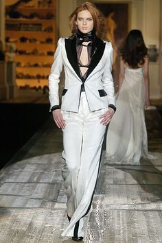 Roberto Cavalli Fall 2005 RTW - Runway Photos - Fashion Week - Runway, Fashion Shows and Collections - Vogue