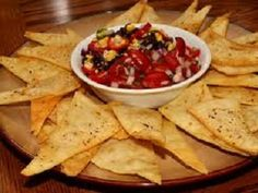 Quick and Easy Mexican Nachos Recipes Bean Dip Recipes, Tortilla Chips, Healthy Breakfast Recipes, Easy Dinner Recipes, Simple Recipes, Healthy Snacks, Salsa, Mexican Food Recipes, Hot Pink
