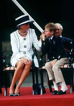 2,394 Princess Diana White Photos and Premium High Res Pictures Princess Diana Images, White Picture, Lady Diana, Prince Harry, New Day, Stock Photos, Celebrities, Womens Fashion, News