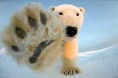 Картинки по запросу белый медведь нападает