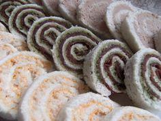 Tris di girelle  Girelle a tre gusti diversi ( gamberetti, pesto e bresaola e crema rosa)