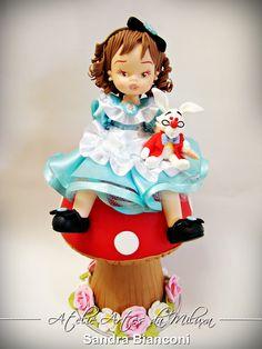 Cake Toppers Alice para uma linda garotinha sapeca e espuleta !!!! Orçamentos e informações somente pelo e-mail sandralimabianconi@htomail.com