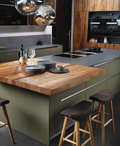 INTUO FINISO - color painting combined with veneered fronts - kitchen cabinets . - INTUO FINISO – color painting combined with veneered fronts – kitchen cabinets – - Green Kitchen, Kitchen Colors, New Kitchen, Kitchen Island, Kitchen Wood, Kitchen Worktop, Kitchen Modern, Awesome Kitchen, Kitchen Cupboards