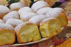 Vynikající kynuté buchty, které chutnají každému. Plnit můžete libovolnou nádivkou. Czech Recipes, Ethnic Recipes, Czech Desserts, Food Styling, Cornbread, Ham, Biscotti, Muffins, Sweet Treats