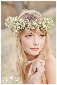 Baby's Breath #Floral #Wedding Crown for a Bohemian Bride | Joleen Willis - get inspired by diyweddingsmag.com