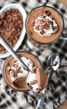Healthy Mocha Mousse (low sugar, high protein, gluten free, eggless, vegan) - Healthy Dessert Recipes at Desserts with Benefits