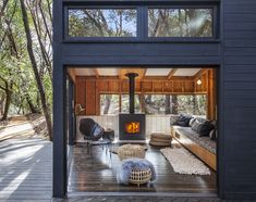 A unique forest house by Envelope Architecture + Design in Northern California. The skilled team of Berkley-based Envelope Architecture + Design was asked One Room Cabins, Cabins In The Woods, Modern Wooden House, Wooden Houses, Small Modern Cabin, Small Wooden House, Small Cabins, Architecture Design, Wooden Architecture