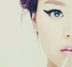big eyes, blue eyes, cute, eyeliner