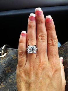 7 ct princess cut diamond, my dream ring, all it needs just three wedding bands Princess Cut Rings, Princess Cut Diamonds, The Bling Ring, Bling Bling, Dream Ring, Diamond Are A Girls Best Friend, Diamond Rings, Diamond Ice, Solitaire Ring
