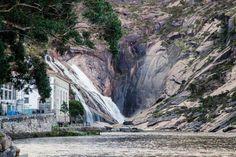 20 lugares imprescindibles para conocer Galicia en familia - Little Vigo Paraiso Natural, Waterfall, Outdoor, Natural Swimming Pools, Natural Playgrounds, Summer Vacations, Outdoors, Waterfalls