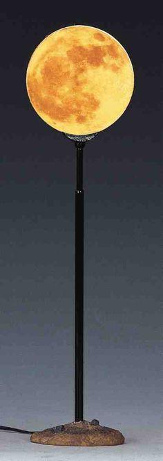 moon lamp. I NEED THIS
