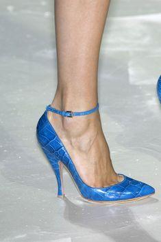 Could you imagine blue chameleon? I see it here - designer Bluemarine
