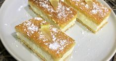 Mennyei Citromos-túrós szelet recept! Ez a mennyei süti csak úgy eteti magát! Az omlós tészta között isteni citromos-túrós töltelék. Egyszerű az elkészítése, a tésztájával pedig nagyon könnyű dolgozni.