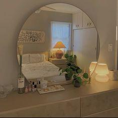 21 Bold Blue Makeup Looks Room Ideias, Room Ideas Bedroom, Bedroom Inspo, Decor Room, Mirror For Bedroom, Mirror Room, Study Room Decor, Bedroom Lamps, Cozy Bedroom