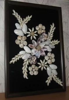 Best 12 Sea shell flowers picture bathroom by ArtFindsBoutique on Etsy – SkillOfKing. Seashell Painting, Seashell Art, Seashell Crafts, Sea Crafts, Sea Glass Crafts, Diy And Crafts, Seashell Projects, Shell Flowers, Shell Decorations
