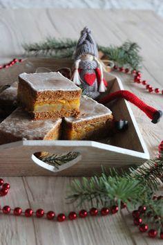 Gingerbread cake with marzipan and orange Piernik nadziewany marcepanem i pomarańczą