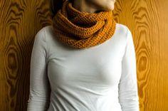 Mustard colored loop scarf // ajatuksiasaksasta.blogspot.com