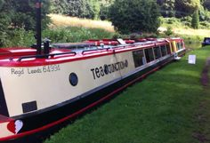 canal boat cafe Dutch Barge, Narrow Boat, Coffee Life, Canal Boat, Floating House, Houseboats, Tiny Living, Camper Van, Main Street