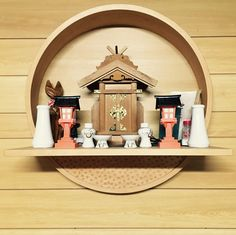 Oratório/Embutido 神棚! Japanese Temple, Japanese House, Bedknobs And Broomsticks, Altar Design, Japan Crafts, Japanese Furniture, Home Altar, Signage Design, Contemporary Interior Design