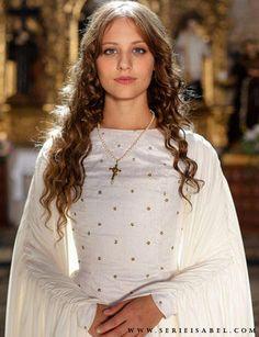 Michelle Jenner as #Isabella of Castile in Isabel (TVE).