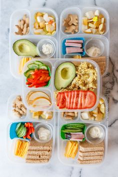 More than 2 Dozen Gluten Free & Grain Free School Lunch Ideas : Packed in - Gesunde Snacks Eat Lunch, Lunch Snacks, Kid Snacks, Easy Healthy Recipes, Healthy Snacks, Kids Meals, Easy Meals, Easy Lunch Boxes, Boite A Lunch