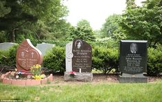 Bobbi Kristina Brown's grave stands between those of her mother Whitney Houston and her maternal grandfather John Russell Houston Jr. at Fairview Cemetery in Westfield, New Jersey Whitney Houston Death, Famous People In History, Bobbi Kristina Brown, Famous Tombstones, Cemetery Headstones, Famous Graves, Sad Day, Beautiful Costumes, Casket