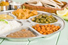 A Guide to Eating Thali in India Home Health Care, Nutrition And Dietetics, Vitamins And Minerals, Stuffed Mushrooms, Spices, Pumpkin, Eat, Ethnic Recipes, India